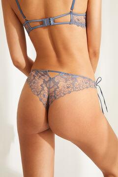 Womensecret Синие кружевные трусики-бразилиана с вышивкой голубой