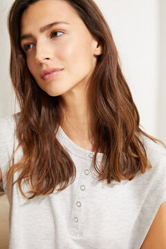 Womensecret Серая футболка из хлопка с короткими рукавами и круглой горловиной на пуговицах серый