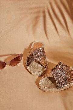 Womensecret  Сандалии на плоской подошве из рафии с перекрестными ремешками золотистого цвета  бежевый