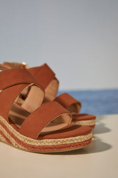 Womensecret Двухцветные сандалии на танкетке из рафии бежевый