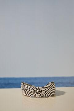 Womensecret Ободок для волос с узлом и принтом в полоску черный