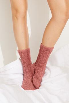 Womensecret Пушистые носки средней длины в рубчик розовый