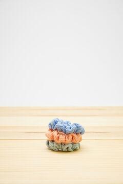 Womensecret Набор из 3 разноцветных резинок для волос бежевый
